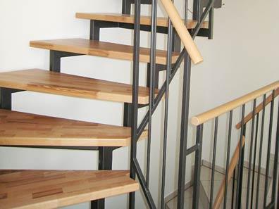 was ist eine zweiholmtreppe gel nder f r au en. Black Bedroom Furniture Sets. Home Design Ideas
